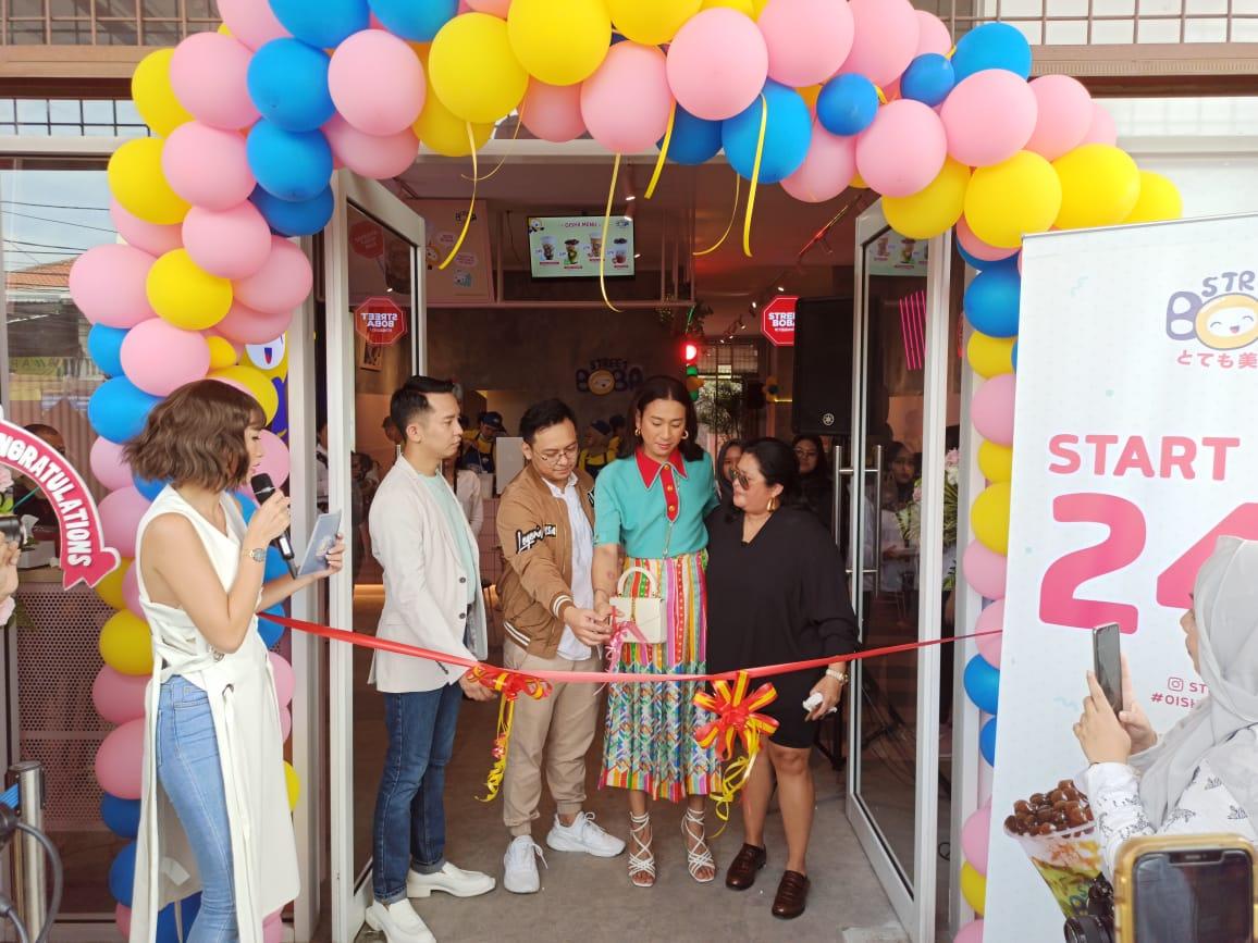 Jovi Adhiguna dan Ririn Ekawati Bisnis Minuman Kekinian