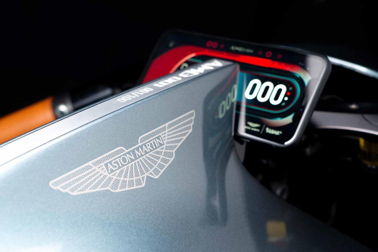 AMB001, Motor Luxury Hasil Kolaborasi Aston Martin dan Brough Superior