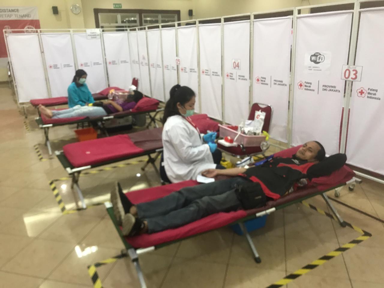 Bikers & Ojek Online Berbondong-Bondong Donor Darah ke PMI
