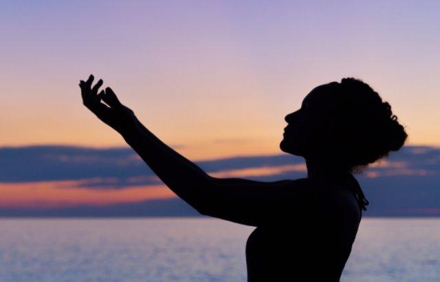 Manfaat Prenatal Yoga bagi Ibu Hamil