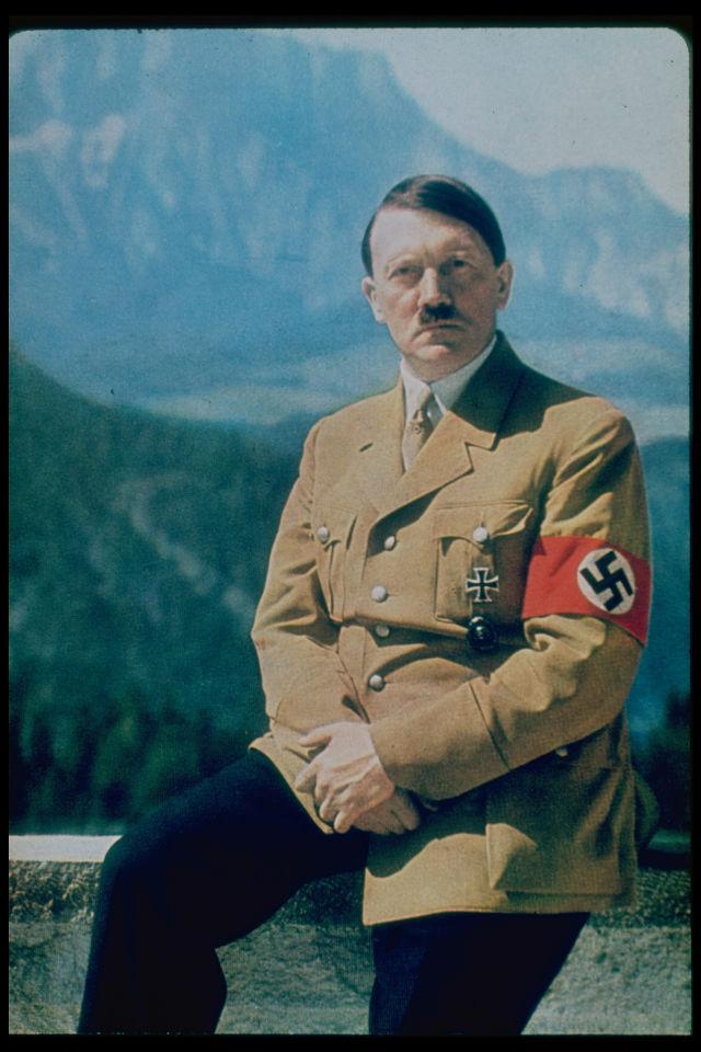 Buku Harian JFK Ungkapkan Ketertarikannya kepada Adolf Hitler