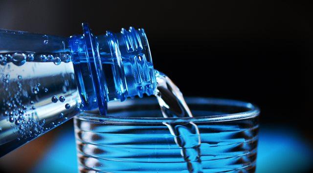 Cara Bedakan Air Kemasan Palsu dan Asli