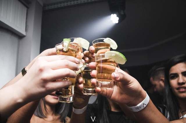 Penyebab Wajah Memerah Setelah Minum Alkohol