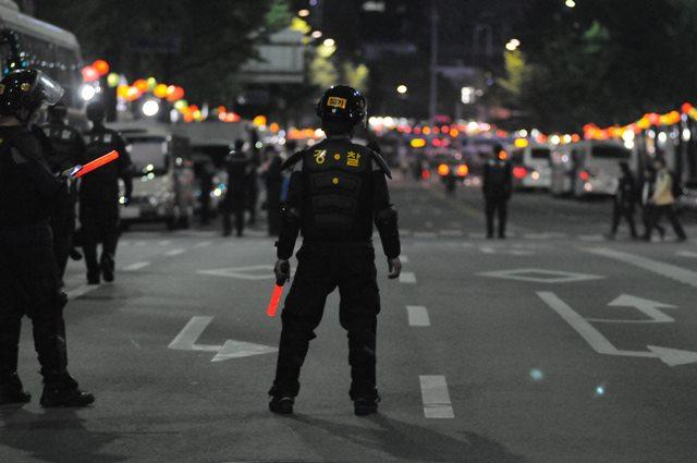 Apa yang Harus Dilakukan Ketika Berada di Dekat Kerusuhan?