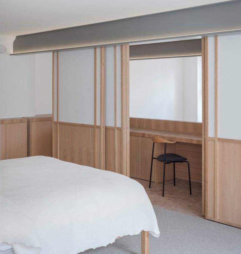 Interior Apartemen Ini Terbuat dari 30 Ribu Balok Kayu