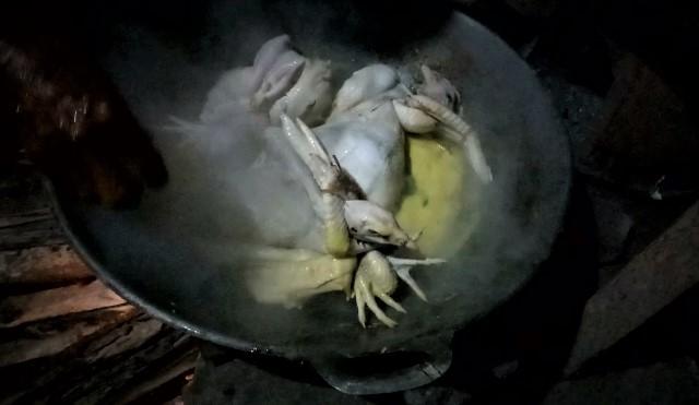 Ayam Ingkung, Kuliner Sakral Tradisi Jawa