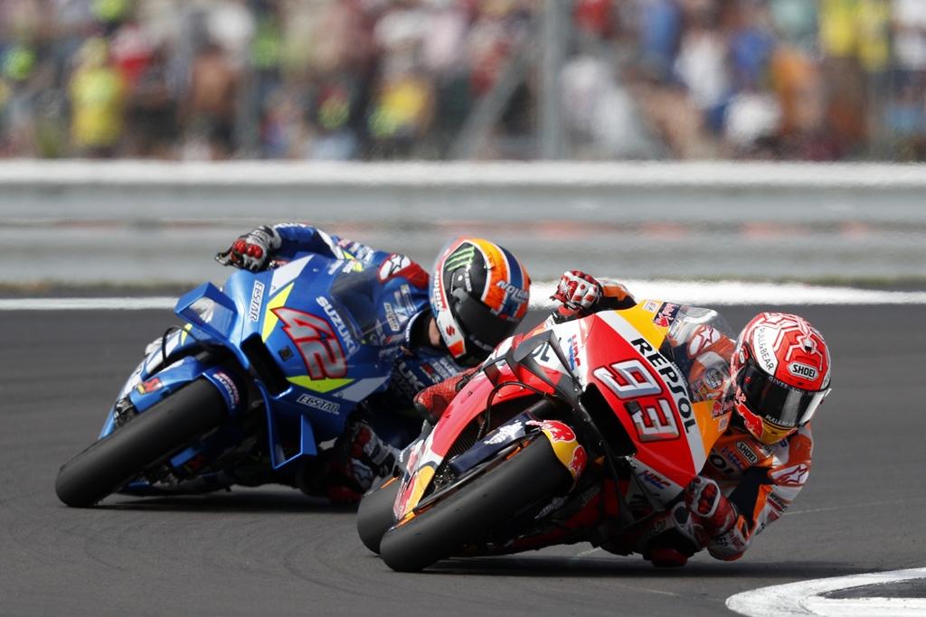 5 Top Momen MotoGP Kejar-kejaran Menegangkan Sampai Garis Finis