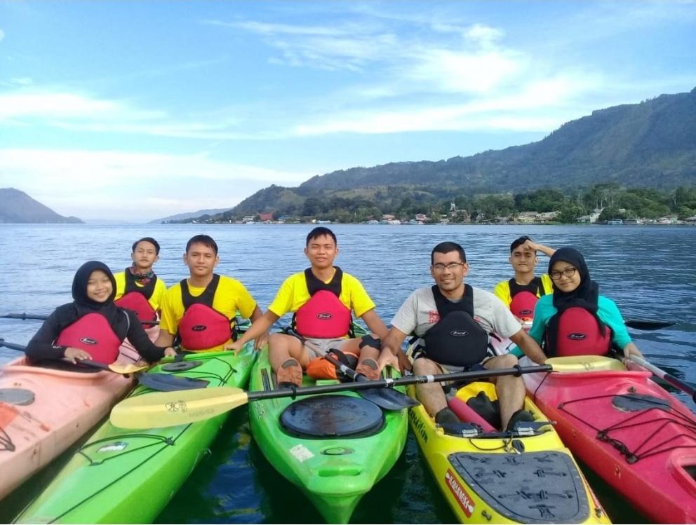 Ekspedisi Kayak Pelajar Indonesia Bikin Danau Toba Kian Mendunia