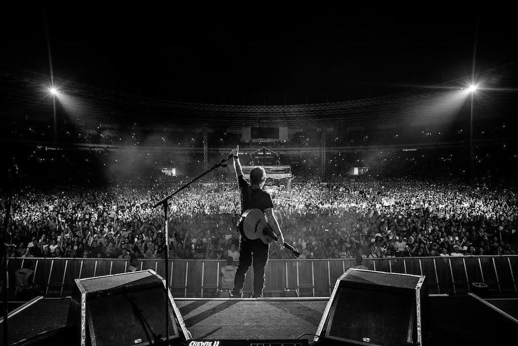 Ed Sheeran Bagikan Foto-foto Keseruan Konsernya di Jakarta