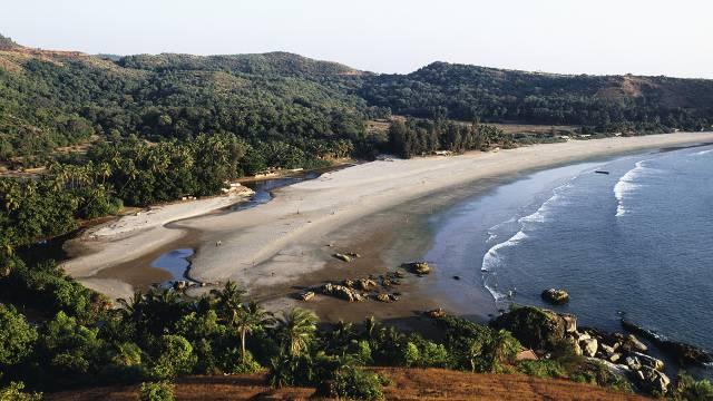 5 Pantai yang Patut Dikunjungi pada Januari