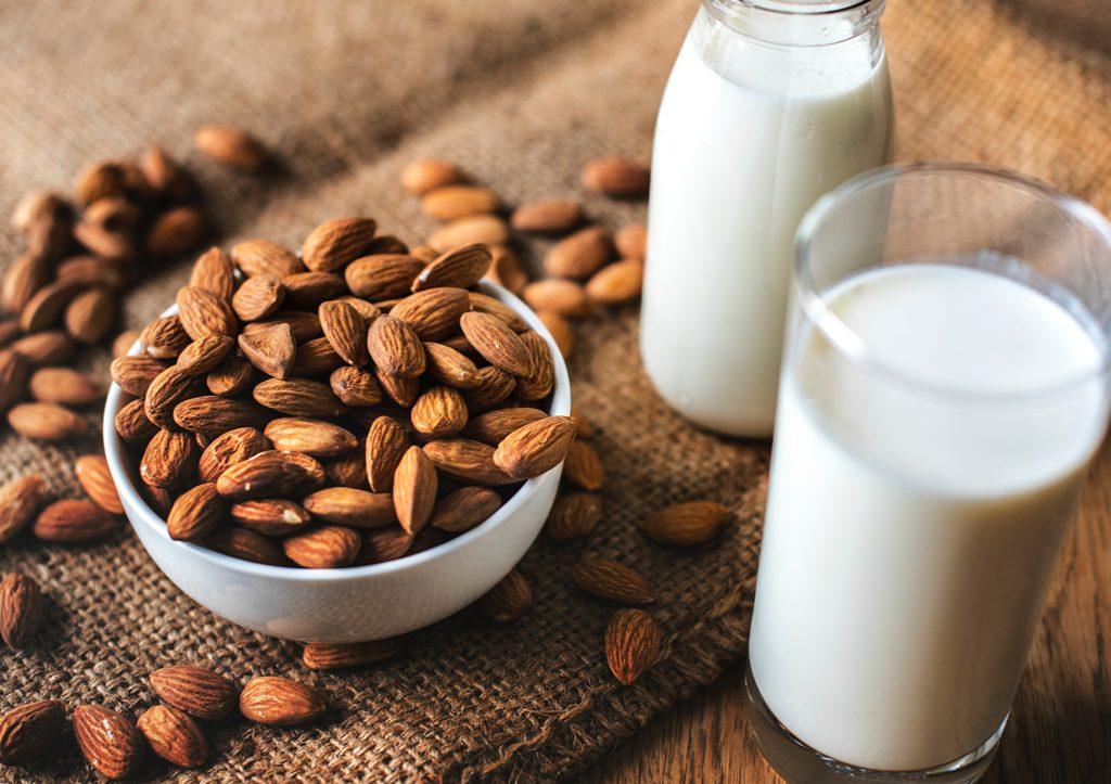 Apakah Susu Sapi Memenuhi Nutrisi Orang Dewasa?
