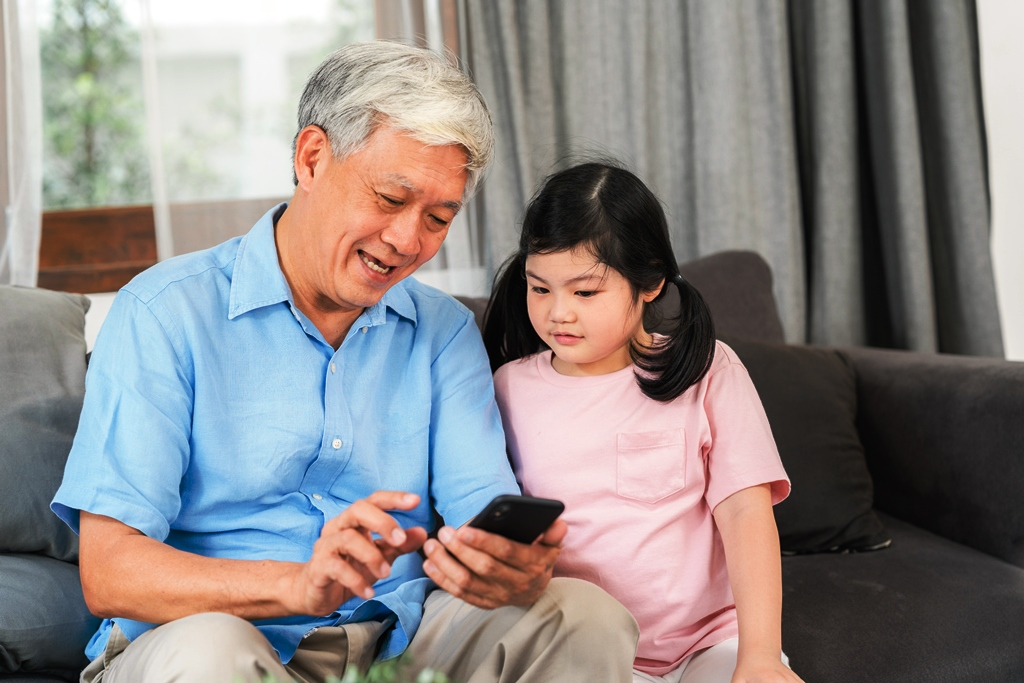 3 Alasan Seseorang Kecanduan Smartphone