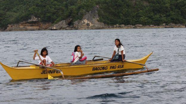 Mengais Ilmu di Atas Perahu Kuning