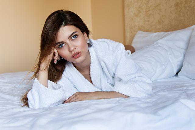Tidur Tanpa <i>Bra</i> Memperbesar Payudara?
