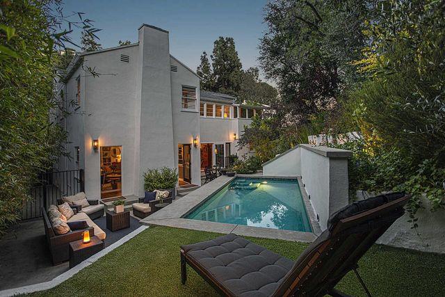 Rumah Pertama Aktor Legendaris Ini Dijual