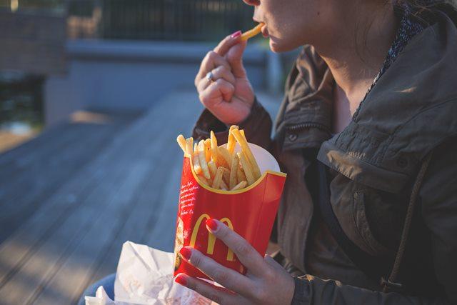 Apakah <i>Cheating</i> <i>Day</i> Diperlukan Saat Diet?