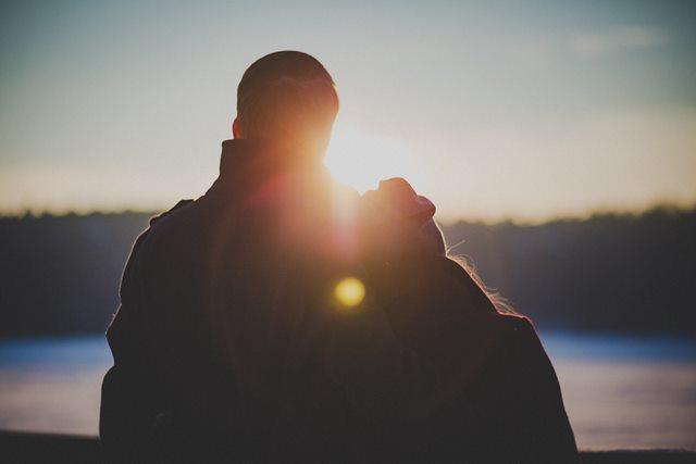 10 Tanda Anda Tidak Benar-benar Mencintainya