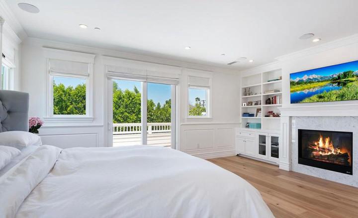Rumah Serba Putih Dakota Fanning Dijual Rp39 Miliar