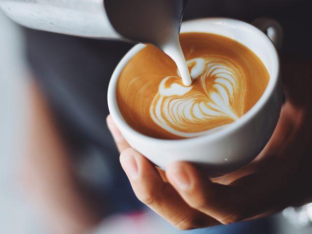 Kopi yang Hampir Tanpa Kafein? Kenali Decaf Coffee