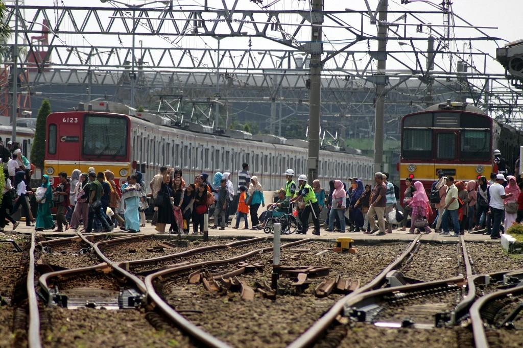 TransJakarta Tambah Armada Antar Jemput Penumpang di Stasiun