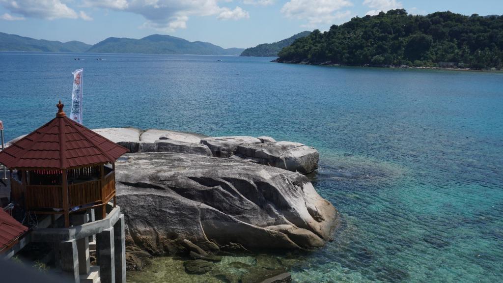 Batu Lepe, Ikon Wisata Baru di Perbatasan Laut Cina Selatan