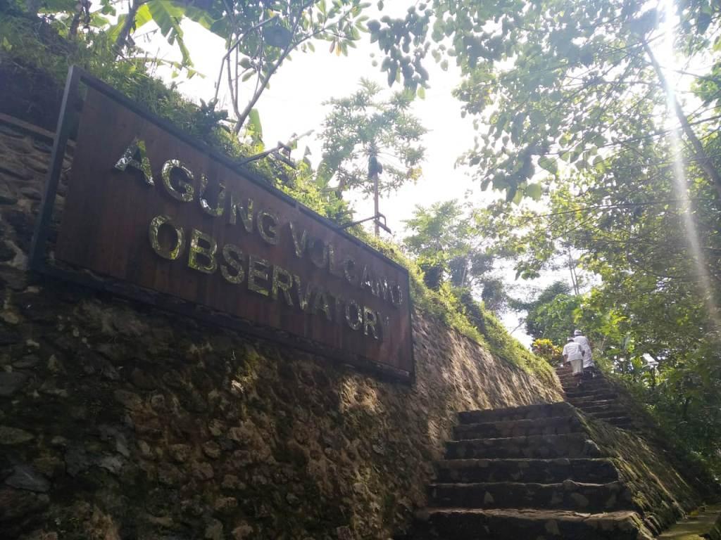 Mirip Sarang Burung, Jonan Renovasi Pos Pengamatan Gunung Agung
