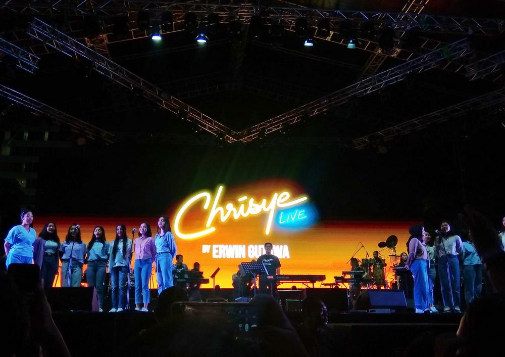 Tangis Erwin Gutawa Bawakan Lagu Baru untuk Chrisye