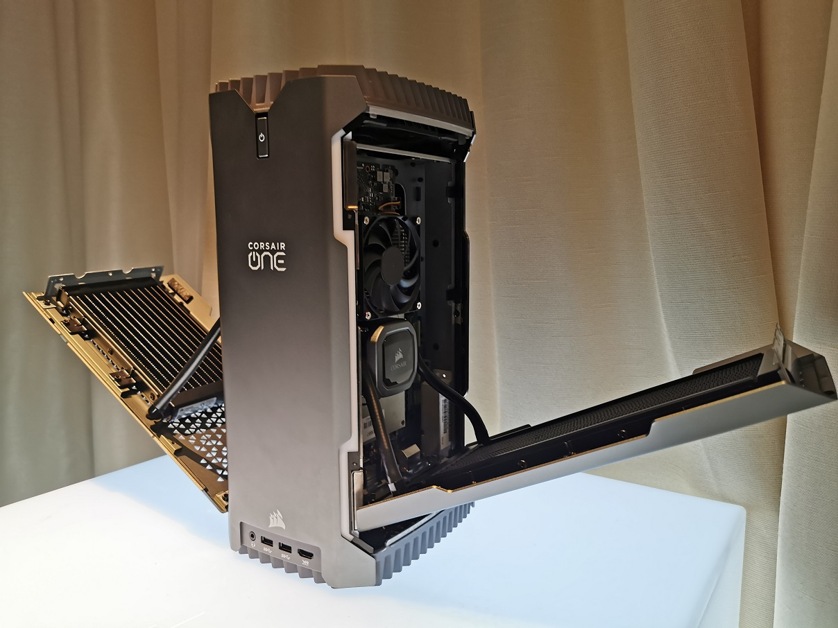 Melihat Spesifikasi Corsair One i160