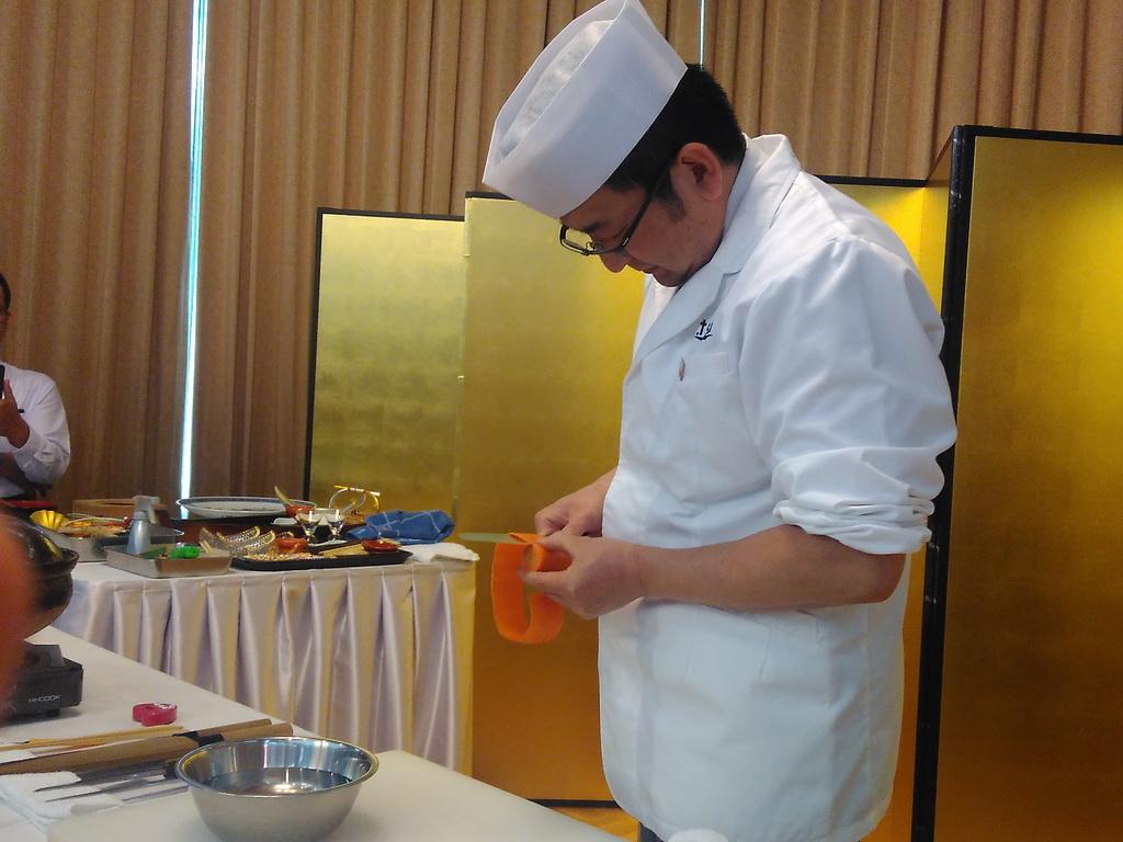 Membuat Garnish Minimalis ala Jepang