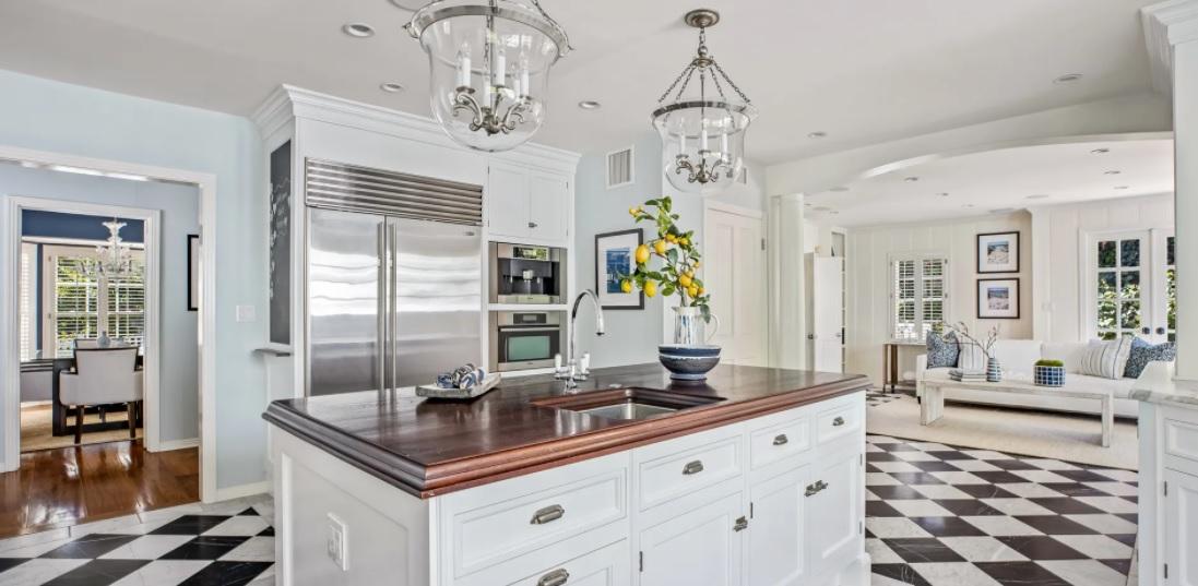 Rumah Masa Kecil Gwyneth Paltrow Dijual Rp46 Miliar