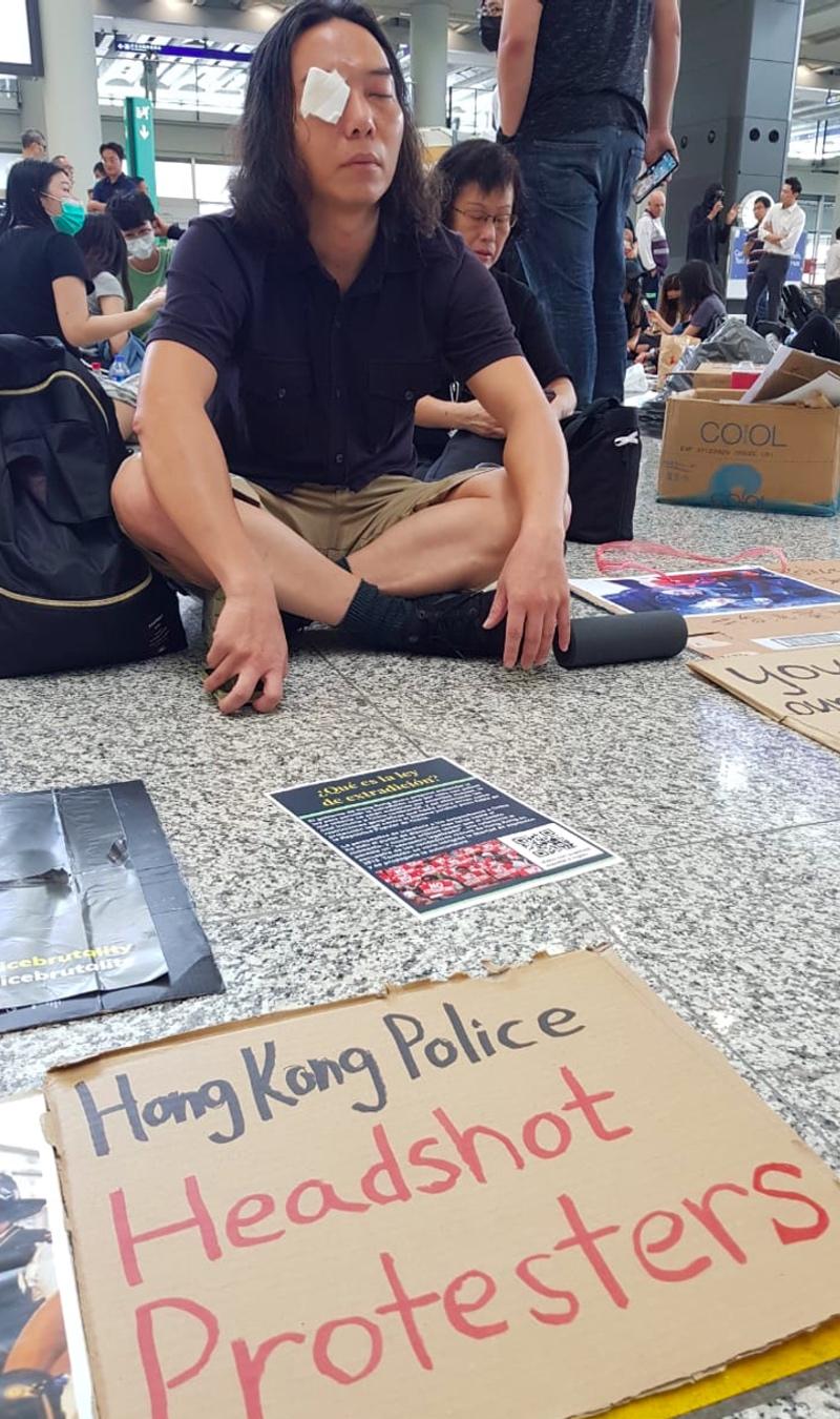 Pedemo Masih Bertahan di Bandara Hong Kong