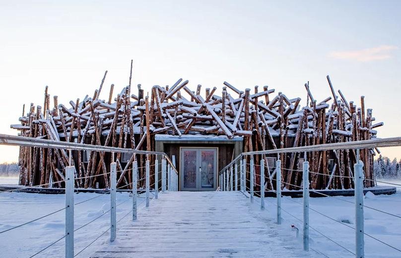 Arctic Bath, Hotel Apung Menyerupai Sarang Burung