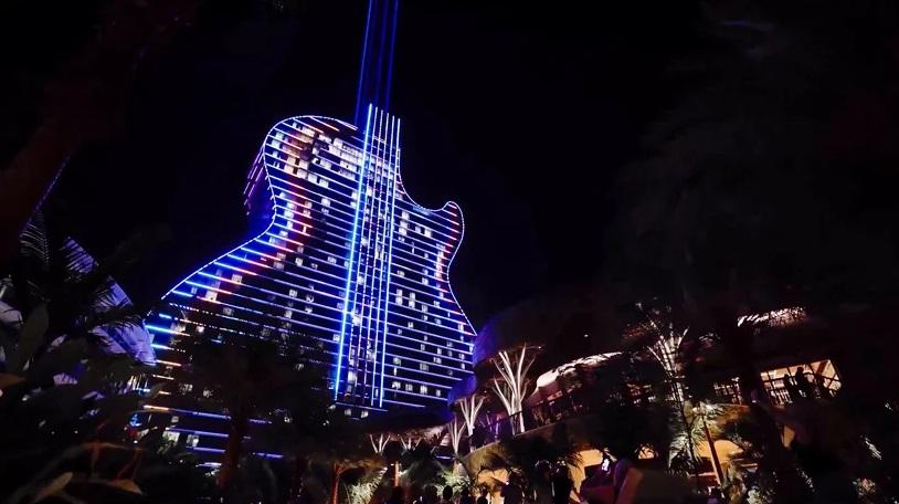 Hotel Hard Rock Berbentuk Gitar di Florida