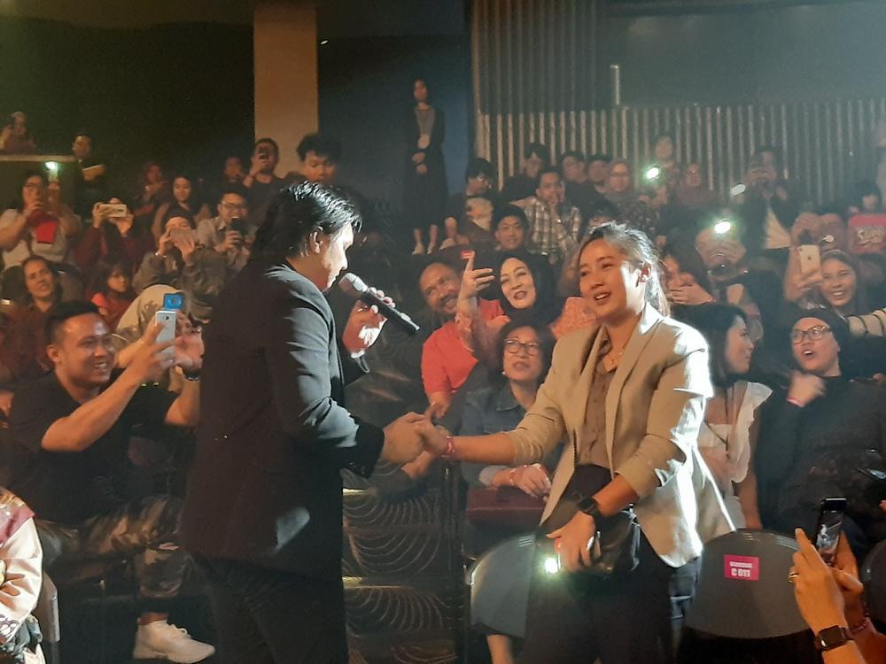 Tawa dan Air Mata di Konser Reuni Jikustik Jakarta