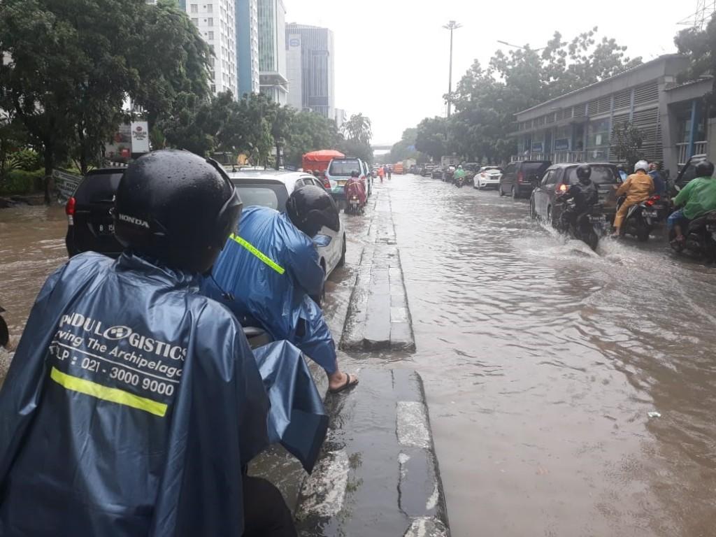 13 RW di Jakarta Timur Masih Tergenang