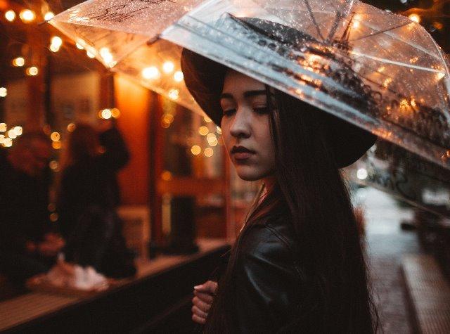 Fakta Aneh Antara Hujan dengan Gairah Seksual