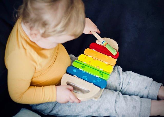 Tips Memilih Mainan untuk Anak Usia 0-1 Tahun