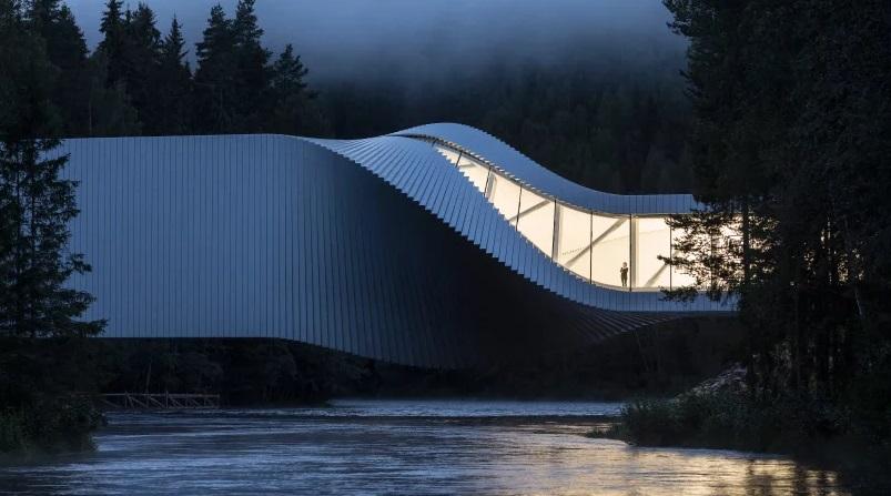 The Twist, Jembatan Meliuk dengan Museum di Dalamnya