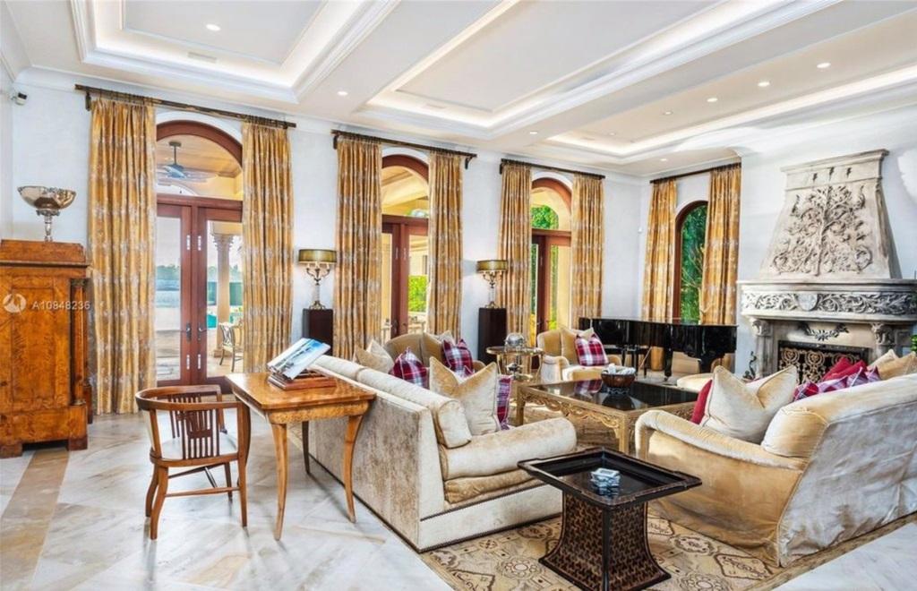 Intip Mewahnya Rumah Jennifer Lopez Seharga Rp590 Miliar