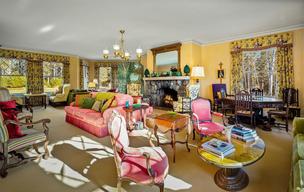Bak Istana, Rumah Mewah John Travolta Punya 20 Kamar