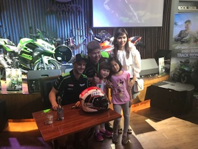 Pebalap Jonathan Rea Bertemu Konsumen Kawasaki Ninja