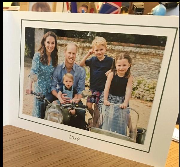 Kartu Natal Mengejutkan dari Kate Middleton dan Pangeran William
