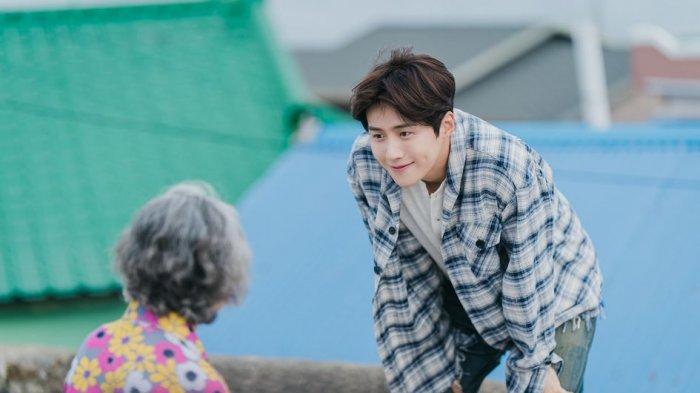 6 Karakter Kim Seon-ho yang Mencuri Hati