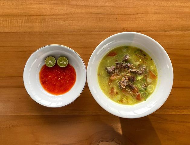Paduan Sensasi Makan Warteg Kekinian dan Minum Kopi Rasa Durian