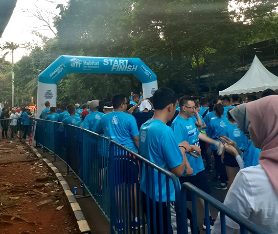 Lari Pagi Sambil <i>Charity</i> oleh Habitat for Humanity Indonesia