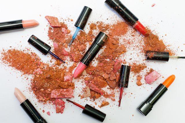 5 Kesalahan Umum Seputar Lipstik