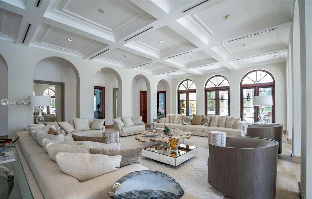 Intip Mewahnya Rumah Marc Anthony yang Dijual Rp382 Miliar