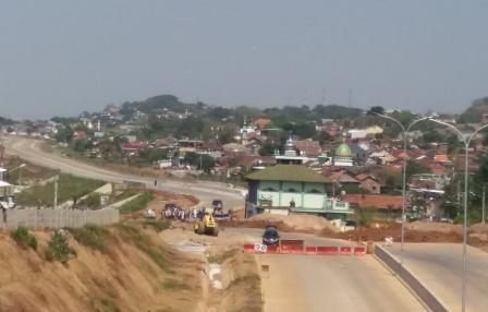Masjid di Tengah Tol Semarang-Batang Mulai Dibongkar