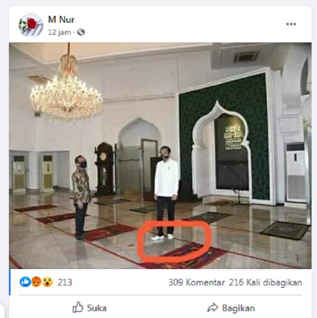 [Cek Fakta] Foto Penampakan Presiden Jokowi Gunakan Sepatu di Dalam Masjid? Ini Faktanya