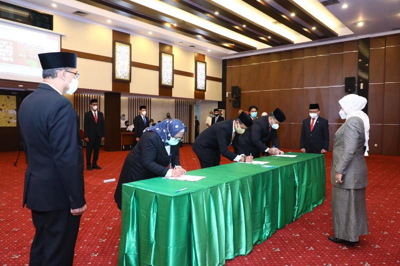 Resmi Dilantik, 18 Pejabat Eselon II Kemenaker Diminta Tingkatkan Kinerja